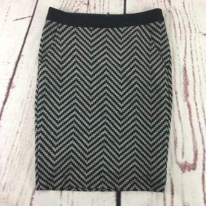 Trina Turk Pencil Skirt Size 2 Wool Blend Chevron